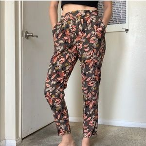 H&M Paisley Printed Tapered Pants - size 4